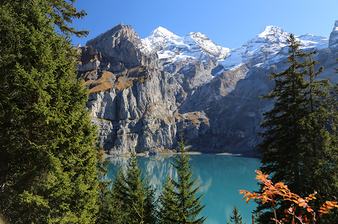 The-Oeschinensee-from-the-trail-to-the-Frundenhutte